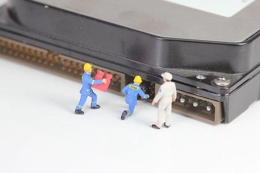 Naprawa uszkodzonego dysku do odzyskania danych – fakty i mity z internetowych forów